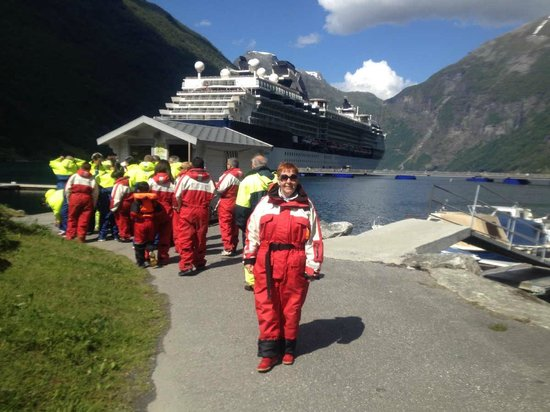 Geiranger Fjord : Get special overalls before entering the RIB boat
