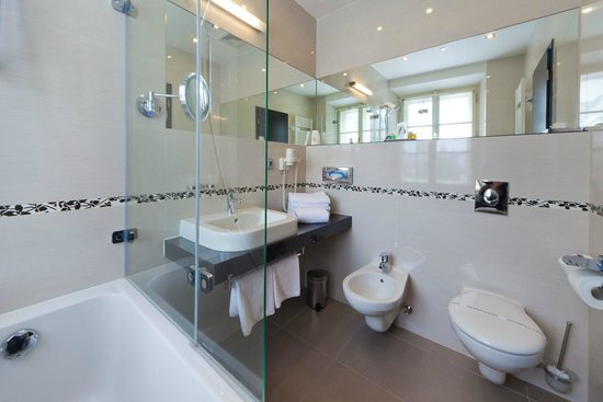 Prague Inn : bathroom