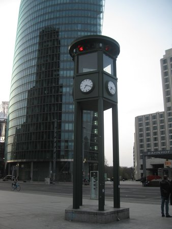 Potsdamer Platz : Europe's first traffic light