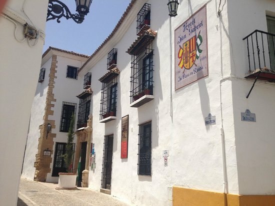 Hotel San Gabriel: Superbly situated in the old town