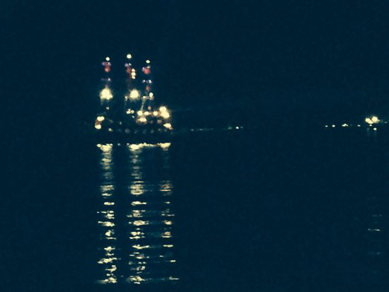 Tuntas Beach Hotel Altinkum: Night boat