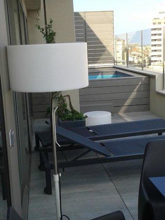 Catalonia Square: Private pool on balcony