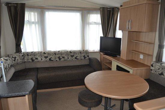 Woolacombe Sands Holiday Park: Ocean view 2 bedroomed caravan
