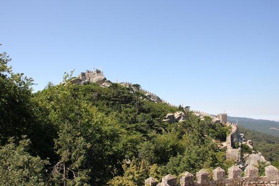 Castle of the Moors : Замок мавров. Синтра. Экскурсии в Мадриде.