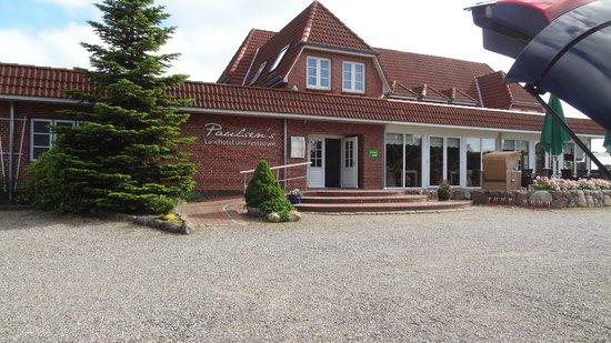 Bohmstedt, Germany: Hotelfront vom Parkplatz aus