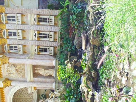 Grand Paradise Hotel Lembang : grand paradise