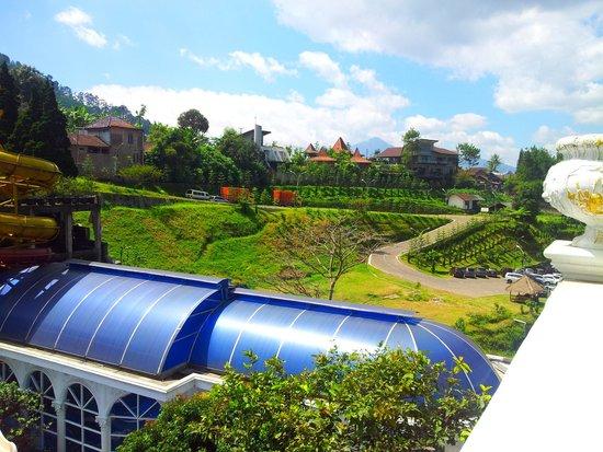 Grand Paradise Hotel Lembang : hot spring bath