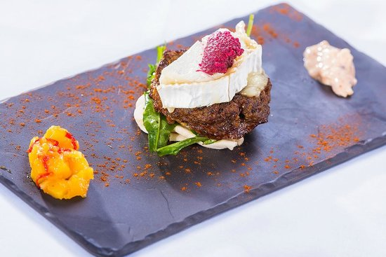 Cellar One at The Ross: Chargrilled Lamb Pattie