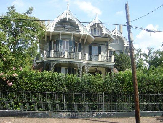 Garden District: Sandra Bullock's house
