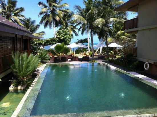 Dhevatara Beach Hotel : Piscine