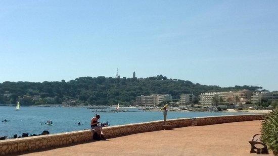 Phare de la Garoupe : Il Faro sullo sfondo