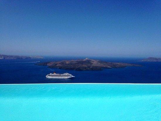 Cosmopolitan Suites Hotel: Ein Schiff wird kommen...