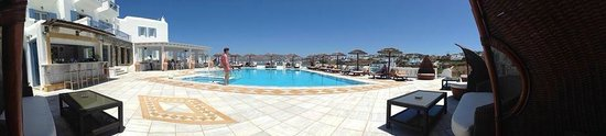 Grand Beach: Pool area
