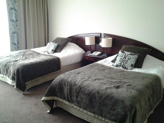 Forges Hotel : Deux grands lits
