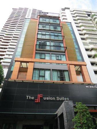 The Fusion Suites Bangkok: Fachado Hotel