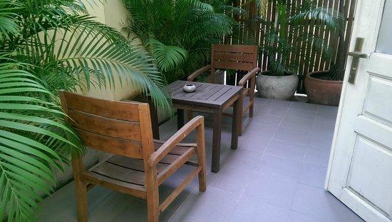 The Pavilion : private garden