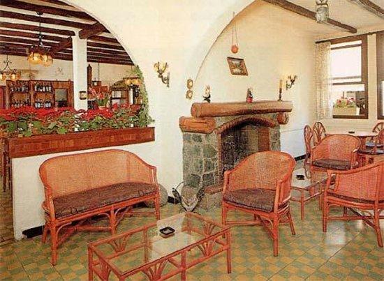 Hotel Restaurant L'Aitone: Wifi accessible dans le salon