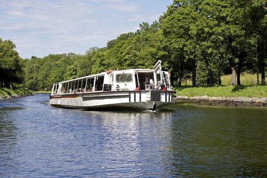 Under The Bridges Canal Tour Stockholm