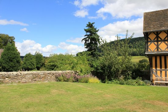 Stokesay Castle: View from inner courtyard