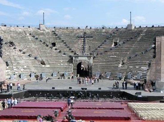 Arena di Verona: コンサート準備