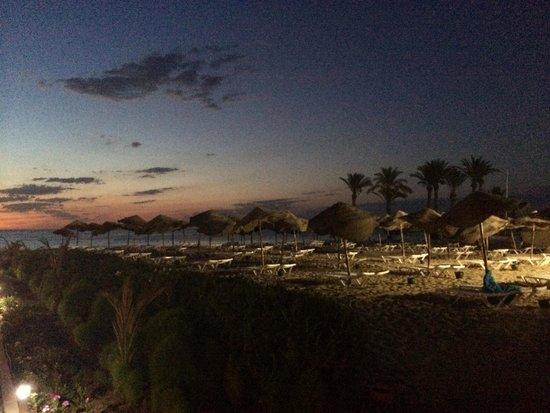 Scheherazade Hotel Sousse: beach at sunrise