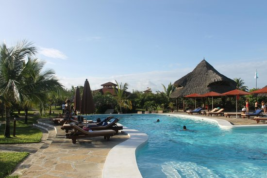 Crystal Bay Resort: piscina