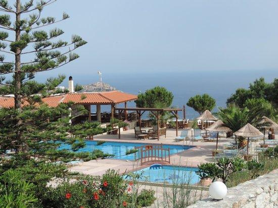 Spiros-Soula Family Hotel & Apartments: Есть взрослый и детский бассейны