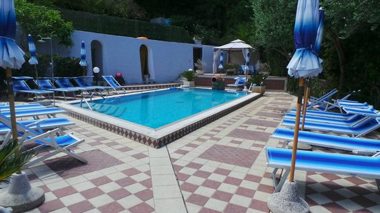 Da Maria: Swimming Pool