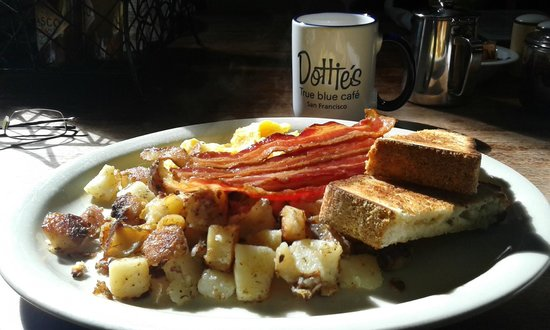 Dottie's True Blue Cafe: American breakfast