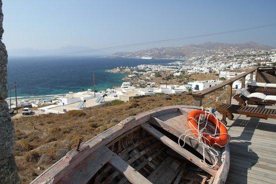 Tharroe of Mykonos Hotel: View from the pool towards town-town Mykonos