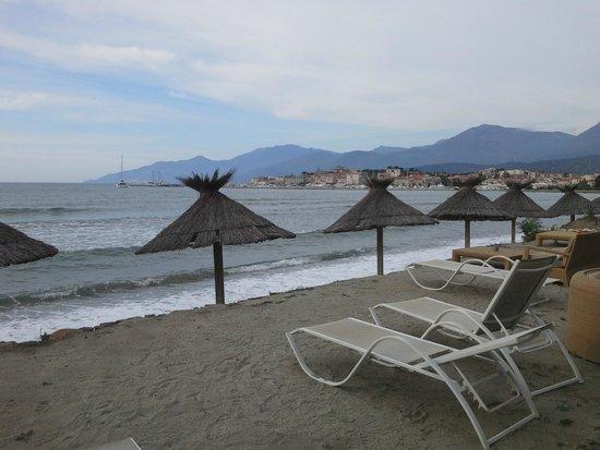 La Roya : la plage de l hotel