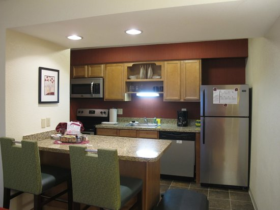 Residence Inn San Francisco Airport/San Mateo: Kitchen junior suite 13.21