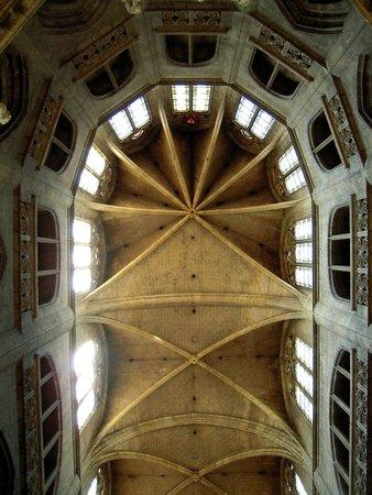 Cathedrale Sainte Marie : ***  Croisées d'ogives du choeur et de l'abside  ***