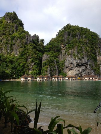 El Nido Resorts Lagen Island: View from our water cottage
