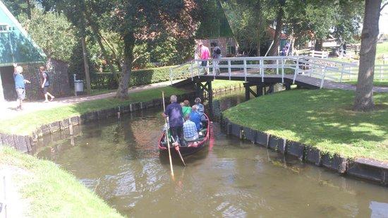 Zuiderzee Museum (Zuiderzeemuseum): Gondola, gondola: The old fashioned Dutch way