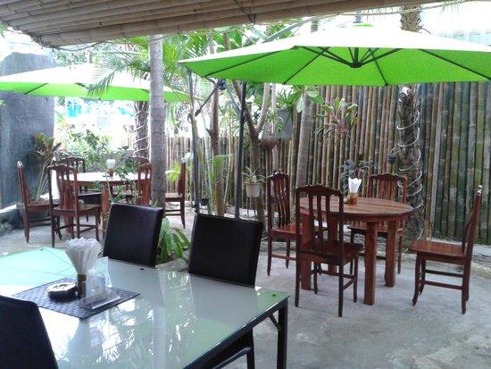 Bamboo Hut Restaurant by Treffpunkt : Restaurant Treffpunkt