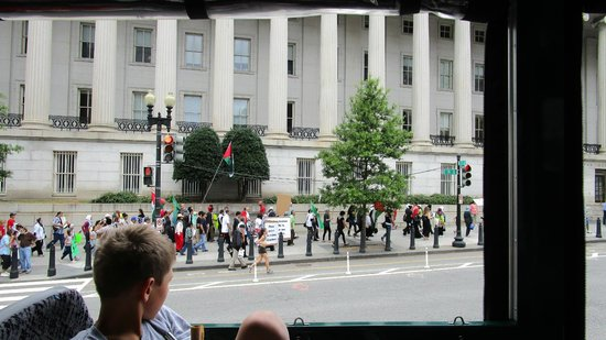 Old Town Trolley Tours of Washington DC : Protesters in Freedom Plaza