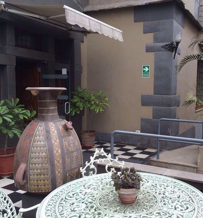 Casa Inca, Boutique Hotel: the front porch / hotel entrance