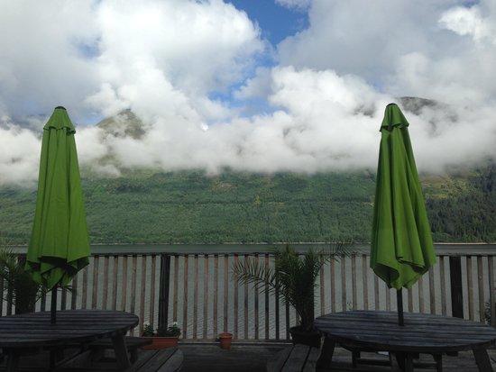Letterfinlay Lodge Hotel : Restaurant/bar terrace