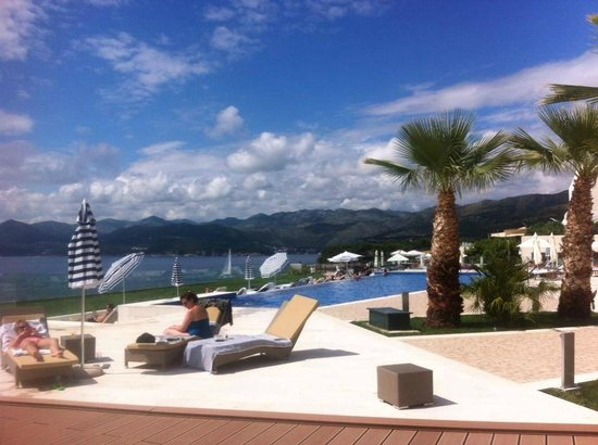 Valamar Dubrovnik President Hotel : Sunbed with a view!