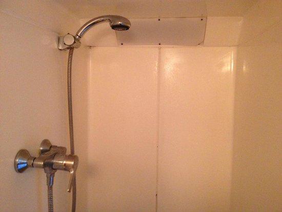 The Lonsdale Hotel: la doccia