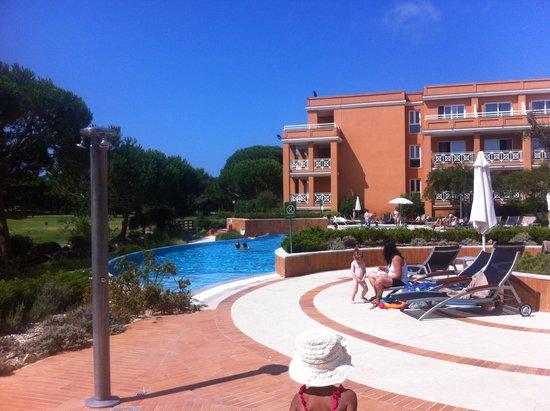 Hotel Quinta da Marinha Resort: Pool area