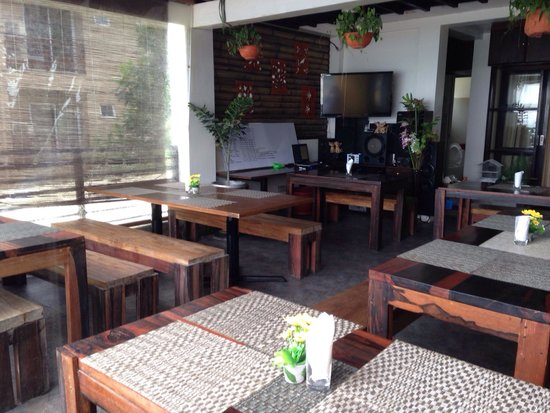 APTR - A Place To Remember: @APTR resto bar...