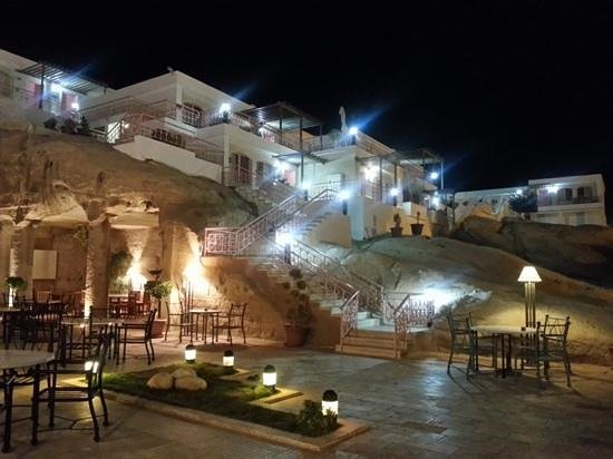 Petra Guest house Hotel: Guest room on the terrace building