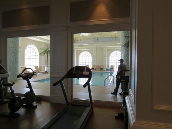 The Boardwalk Hotel: View from gym to the indoor pool