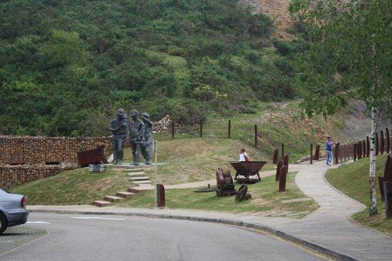 El Soplao : Monumento a los mineros