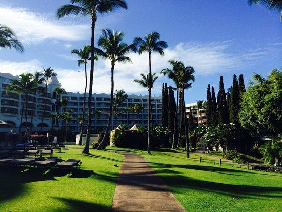 Fairmont Kea Lani, Maui: Hotel gardens