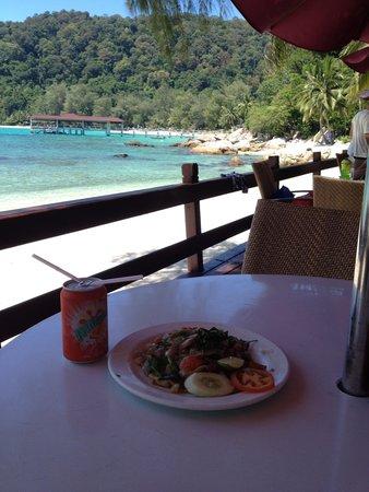 Coral View Island Resort: pranzo con vista al Coral