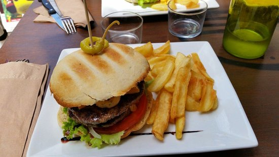 Moony: The Homemade Burger Factory
