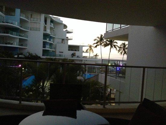 Oceans Resort & Spa Hervey Bay: Big patio with okay view